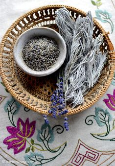 This is the next item I buy from this Etsy shop. I'm waiting now for my first order to get here . . .  Wild Lavender Leaves & Flowers  Dried 50gr   by TheSpartanTable, €9.00