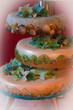"""Bruidstaart over #Curacao, de huisjes en de """"Emma"""" brug, over de bloemen en het Hollands landschap. Over de zee en samen de toekomst tegemoet vliegen. Over in de wolken zijn, de palmen en de vlinder als symbool. Het is dolfijn. Bruidstaarten Sak Hemelse Creaties Cake, Desserts, Food, Tailgate Desserts, Deserts, Kuchen, Essen, Postres, Meals"""