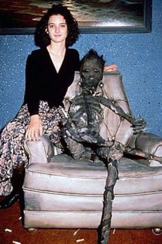 Tim Burton's Beetlejuice Behind The Scenes Pictures Sweeney Todd, Movies Showing, Movies And Tv Shows, Tim Burton Beetlejuice, Beetlejuice Halloween, Beetlejuice Movie, Que Horror, Winona Forever, Ella Enchanted