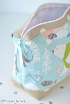 DIY polar bear wash bag sewing tutorial