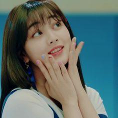 q: signal korean version or signal japanese version? - jpn version for me idk it just sounds better in this version #MVMonday song: TWICE[트와이스]- Signal[시그날] (JPN VER.)) jyp #kpop #twice #jihyo #dahyun #momo #mina #sana #jungyeon #nayeon #chaeyoung #tzuyu #트와이스