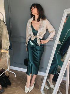 5 stylish ways to wear a slip dress! Silk Cami Dress, Slip Dress Outfit, Silk Chemise, Dress Work, Dress Lace, Dress Outfits, Dress Shoes, Shoes Heels, Satin Slip