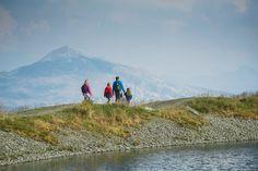 Mit der kostenlosen 𝐊𝐚𝐭𝐬𝐜𝐡𝐛𝐞𝐫𝐠𝐂𝐚𝐫𝐝 erhalten unsere Gäste diesen Sommer viele Ermäßigungen und gratis Eintritte zu Attraktionen am Katschberg. 🤗  Genießen Sie beispielsweise das traumhafte Panorama am Speicherteich Aineck - mit der Aineckbahn geht's kostenlos auf den Gipfel (ab 8. Juni in Betrieb). ⛰ #katschbergcard #katschberglodge #wirsetzendembergdiekroneauf 📸 Katschberg Juni, Mountains, Lodges, Nature, Travel, Ski Trips, Mountain Climbing, Summer Vacations, Family Vacations