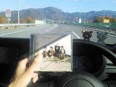 [Champagne]2007/11/21 Staff blog ドライブにもぴったりです!今回発売されるCDは、普段路上ライブで配布しているようなCD-Rではなく、市販されているCDと全く同じプレスCDです! Champagne, Polaroid Film