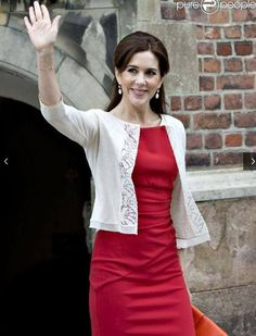 Lady in red ~ Princess Mary de Danemark - Page 7