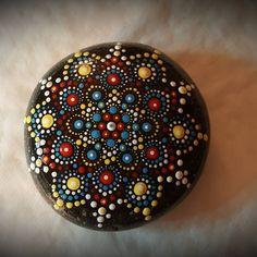"55 mentions J'aime, 2 commentaires - Pierre du coeur (@pierreducoeur) sur Instagram: ""Pierre Mandala #namaste #mandalastone #mandala #reikihealing #energy #art #chakra #reiki…"""