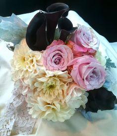 Black callas, pink r