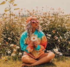 Top 10 Trending Boho Styles – Dirty Hippie Style Fall is creeping up in a week! I just set a Fall set for my store so here are my top 10 favorite boho looks for the coming season. Boho Hippie, Looks Hippie, Bohemian Mode, Vintage Hippie, Boho Chic, Hippie Vibes, Grunge Hippie, Hippie Love, Bohemian Style