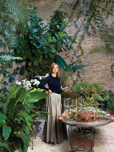 The courtyard in designer Rose Uniacke's London home / Photo by Henry Bourne. Outdoor Rooms, Outdoor Gardens, Outdoor Living, Courtyard Gardens, Rose Uniacke, Rose Tarlow, Minimalist Garden, Minimalist Interior, Home Photo