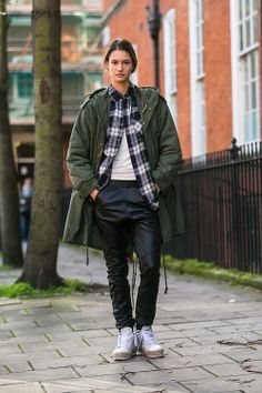 The NYC Streets / (via On the Street: LFW Day 2 – Of The Minute)  // #Fashion, #FashionBlog, #FashionBlogger, #Ootd, #OutfitOfTheDay, #StreetStyle, #Style