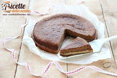 La Crescionda è il tipico dolce di Carnevale di Spoleto: di facile preparazione ha come ogni piatto popolare molte differenti varianti. La consistenza è
