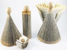 Originale presepe con statuine realizzate con la carta di giornale.
