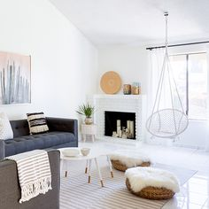 Interior design pros are adept at keeping an impeccably clean house with seemingly no effort—here are their best-kept secrets. Decor, Chic Home Decor, Interior, Living Decor, Home Decor, House Interior, Room, Room Decor, Room Interior