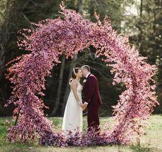 "3,854 curtidas, 58 comentários - Ruffled | Wedding Blog (@ruffledblog) no Instagram: ""We've rounded up 20 wedding gown designers you're sure to love on ruffledblog.com -- this one is…"""