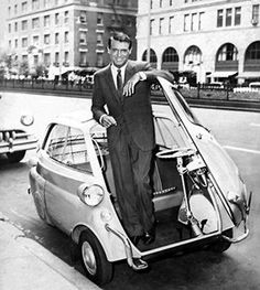 Some style lasts thru time. Cary Grant poses with a late BMW Isetta. Wanna go for a spin, Cary? Bmw Isetta, Cary Grant, Golden Age Of Hollywood, Classic Hollywood, Old Hollywood, Hollywood Actor, Hollywood Stars, Bmw 300, Lambretta