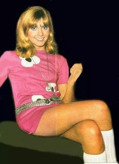 Lovely legs of Olivia Newton John Chloe Rose, Olivia Newton John Young, Cambridge, Beautiful Celebrities, Beautiful Women, Sixties Fashion, Amanda Seyfried, Stevie Nicks, In Pantyhose