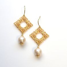 Gold Square Flower pattern filigree & Light Beige Japanese Cotton Pearl Titanium Earrings for Sensitive Ears, Hypoallergenic Earrings by MiyabiGrace #earrings #pearls #cottonpearls #pearlearrings #jewelry #titaniumearrings #cottonpearlearrings #MiyabiGrace #bridalpearlearrings #bridalearrings #コットンパール #コットンパールピアス