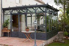 Créateur et fabricant de vérandas en acier à l'ancienne. Catherine PION LONGUEVILLE vous présente L'Atelier d'Alexandre.