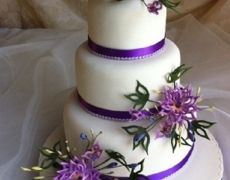 A beautiful wedding cake by Flair 4 Cakes.
