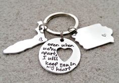 Keep you in my Heart - Long Distance Relationship - Best Friends Keychain - Couples Keychain - States Keychain - Deployment Gift - Keychain Best Friend Gifts, Gifts For Friends, My Best Friend, Friends Family, Deployment Gifts, Long Distance Love, Boyfriend Gifts, Boyfriend Ideas, Cute Gifts