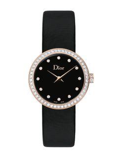 La montre D de Dior en or rose, diamants et nacre noire http://www.vogue.fr/joaillerie/le-bijou-du-jour/diaporama/la-montre-d-de-dior-en-nacre-noire/17882