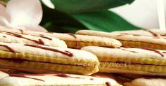 Suroviny:     400gmúka hladká  250g maslo  2vajcia  1cukor vanilkový  200gcukor práškový  džem ríbezľový (alebo višňový)     ...