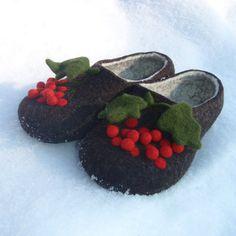 Felted slippers Ukrainian style von TANJAHOLMER auf Etsy, $70.00