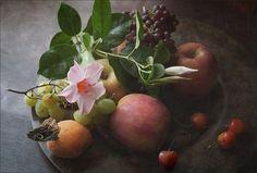 photo: Тарелка с фруктами | photographer: Victoria Dumesh (Беляева) | WWW.PHOTODOM.COM