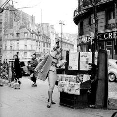 Jean-Philippe Charbonnier - Boulevard Raspail, on the corner of Rue du Bac, Paris (c.1959)
