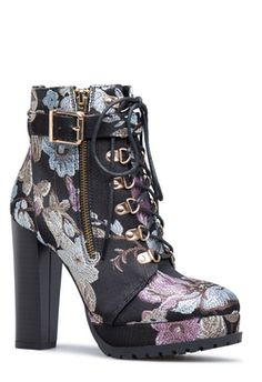 Here are our latest trending shoes, handbags & clothing for women. Women's Shoes, Cute Shoes, Shoe Boots, Shoes Style, Bootie Boots, Shoes Sneakers, Kawaii Shoes, Dream Shoes, Black Booties