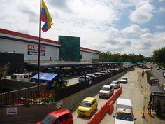 Alkosto Cali - Construcción de las instalaciones del almacén. Año de construcción: 2013, Cali, Valle del Cauca, Colombia. Cliente: Alkosto Cali, Fair Grounds, Fun, Travel, Barranquilla, Cartagena, Architecture, Colombia
