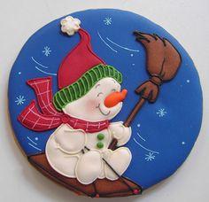 Sledding Snowman Cookie by Patricia de Sanchez Christmas Biscuits, Christmas Sugar Cookies, Holiday Cookies, Fancy Cookies, Iced Cookies, Cupcake Cookies, Cupcakes, Christmas Goodies, Christmas Treats