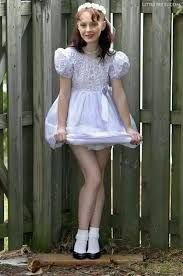 PRECIOUS Adrienne boy at fourteen, dressed by my auntie However this comes from a site of female models allover 18 dressing as young Beautiful Boys, Pretty Boys, Pretty Men, Dress Skirt, Dress Up, Girl Outfits, Cute Outfits, Boys Wear, Models