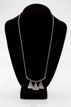 Triangle Silver Necklace   Model: A1174  $16.20  OMGbebe.com Trend and New Clothing