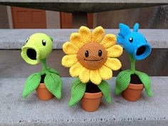 Ravelry: Plants vs. Zombies Sunflower Amigurumi Pattern pattern by Julianne Winter