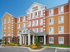 Clarksville (TN) MainStay Suites Fort Campbell United States, North America Located in Wilma Rudolph, MainStay Suites Fort Campbell is a perfect starting point from which to explore Clarksville (TN). Both business travelers and tourists can enjoy the hotel's facilities and services. Service-minded staff will welcome and guide you at the MainStay Suites Fort Campbell. Guestrooms are fitted with all the amenities you need for a good night's sleep. In some of the rooms, guests ca...