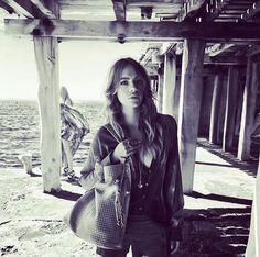 "Lieb Ju Luxury bags - ""Never mainstream. Always a star.""  http://liebju.com Kleid: Kurru Kurru fashion  Shipping Worldwide.#liebju #bag #Lifestyle #cool #lifestyle #LiebJuCatwalk #hifashion #voyage #luxury #Love #leather #designbag #stylish #fashion #designerbags #design  #leather #business #businesswoman #ceo #ceolife #germany #exclusive #DesignAward #travel #berlin #essen #cologne #duesseldorf #frankfurt #düsseldorf #ibiza"