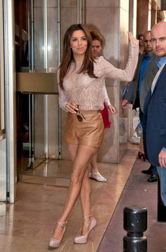 Who made Eva Longoria's nude ankle strap pumps and long sleeve nude lace top that she wore in Cannes? Shoes – Brian Atwood Shirt – Joe's Brian Atwood, Eva Longoria Style, Moda Petite, Petite Fashion, Womens Fashion, Leder Outfits, Rachel Bilson, Rachel Zoe, Leather Shorts