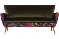 Bella Fiore Sofa by Masutti & Masutti Settee Sofa, Upholstered Sofa, Velvet Furniture, Mid Century Sofa, Pink Velvet, Sofas, Upholstery, Interior Decorating, Cushions