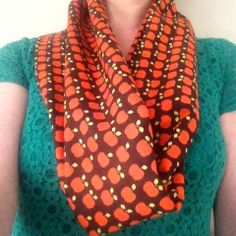 leuke wereld: DIY: hippe sjaal van restjes stof