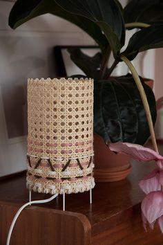 Furniture Online Furniture Companies Crafty Craft Home Crafts Diy Crafts Lamp Redo Joli Place Diy Lampe Diy Interior Upcycled Home Decor, Diy Home Decor, Diy Décoration, Diy Crafts, Diy Jewelry Stand, Bamboo Crafts, Blog Deco, Boho Diy, Diy Interior