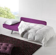 Sofá cama individual, muy fácil de convertir.