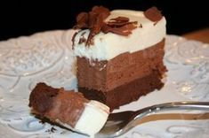 One of the most decadent chocolate cakes ever – Triple Chocolate Mousse Cake Triple Chocolate Mousse Cake, Decadent Chocolate Cake, Chocolate Desserts, Chocolate Heaven, Just Desserts, Delicious Desserts, Yummy Food, Sweet Recipes, Cake Recipes