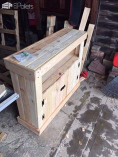Pallet TV Stand / Cabinet Pallet Bookcases & Pallet Bookshelves Pallet Cabinets & Pallet Wardrobes