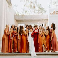 Give us ALL the rusty colored bridesmaids dresses! These babes came together for their main gal in this fully boho, totally rad, Southwestern-inspired wedding in Mexico! From DIY elements to bridal party style, there's a lot to see Boho Bride, Boho Wedding, Dream Wedding, Destination Wedding, Orange Wedding, Fall Wedding Colors, Southwestern Wedding, Wedding Bridesmaids, Wedding Dresses
