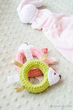 Hedgehog Taggie Baby Toy Crochet Pattern   www.1dogwoof.com