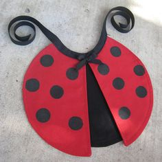 This Little Ladybug Bib is easy to sew with real wings that flap.You can use polka dot cotton or you can dot the wings with fabric paint and a stamp. Book Day Costumes, Book Week Costume, Diy Baby Costumes, Halloween Costumes For Kids, Baby Ladybug, Diy Wings, Baby Kind, Pdf Sewing Patterns, Baby Sewing
