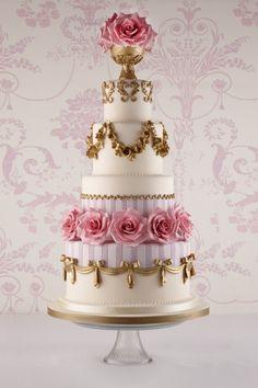 Wedding Cake // Marie Antoinette https://www.pinterest.com/FLDesignerGuide/marie-antoinette-inspired-wedding/