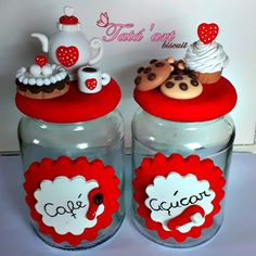 Manualidades casa. Botes café y azúcar Clay Jar, Clay Mugs, Fimo Clay, Polymer Clay Projects, Pasta Crafts, Jar Crafts, Bottle Crafts, Polymer Clay Miniatures, Polymer Clay Creations