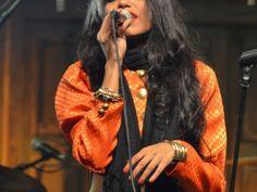 "Shridevi Kesavan of the music group 'God's Robots"" performing at the Jaipur Literature Festival 2014, Jaipur, Rajasthan, India"
